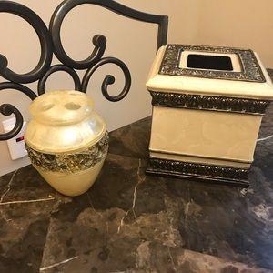 Other - Beautiful bathroom tissue box & toothbrush holder